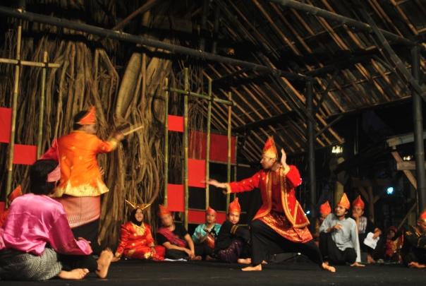 Sutan Pamenan dan Rajo Angek Garang